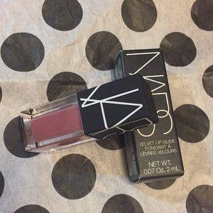 🆕Nars Velvet Lip Glide Mini 💕💕